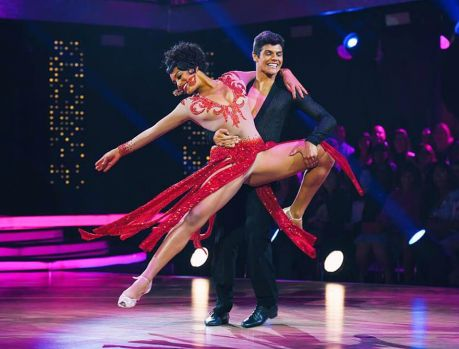Raissa Santana classificada para a semifinal do Dancing Brasil!